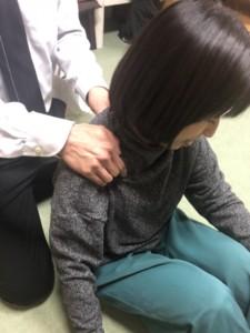 しつこい肩こりに悩まされている人には、ここも治療しないと改善してきません。