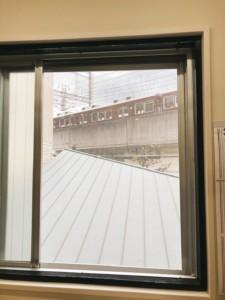 院内の窓を開けて換気しています 藤本鍼灸整骨院 池田市
